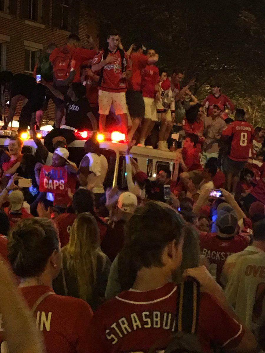 Things are getting a bit rowdy at 7th and E streets in Washington, D.C. (WTOP/Shawn Anderson)