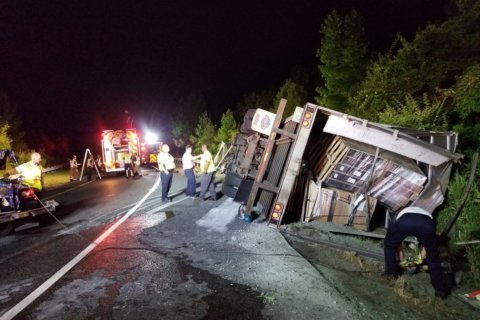I-370 ramp reopened after 18-wheeler hauling TVs overturns, blocks ramp for hours