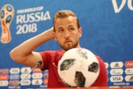 SAINT PETERSBURG, RUSSIA - JUNE 17:  Harry Kane of England looks on during the England press conference ahead of the 2018 FIFA World Cup match against Tunisia at Volgograd Arena on June 17, 2018 in Volgograd, Russia.  (Photo by Alex Morton/Getty Images)