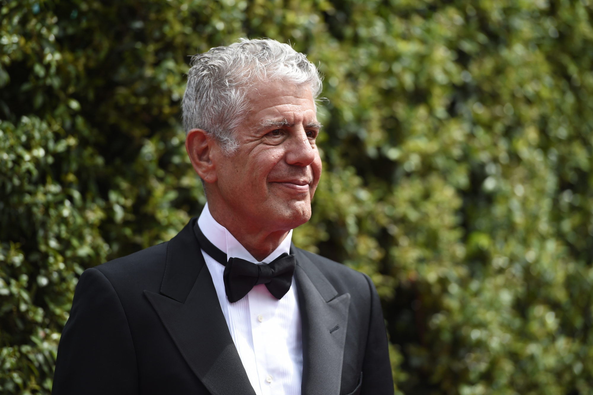 Anthony Bourdain Says This Common Kitchen Tool Is A Waste Of Money recommend