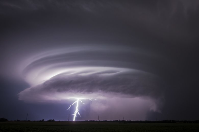 Tornado injures 8 people, 2 critically, in small Kansas town | WTOP