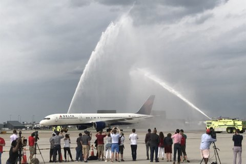 The Champs are back in town: Caps return from Vegas with the Cup