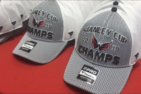 Caps fans flock for Stanley Cup championship gear