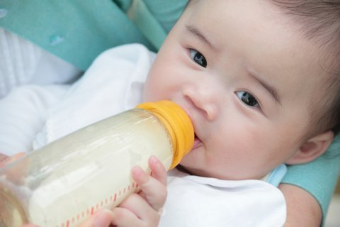Infant formula could change gut bacteria, contribute to childhood obesity: Study