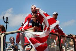 Washington Capitals goaltender Philipp Grubauer (31), of Germany, points to fans. (AP Photo/Pablo Martinez Monsivais)