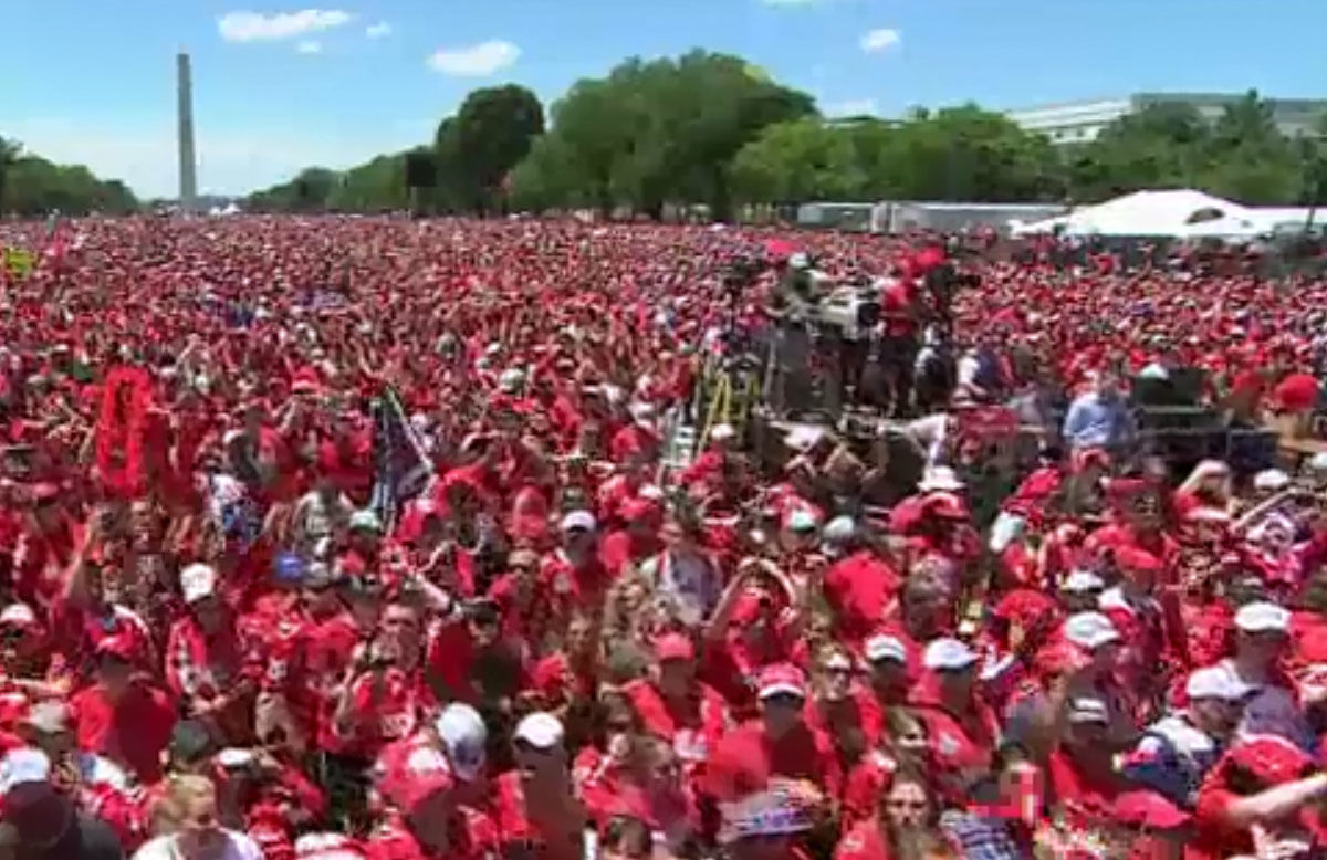 The National Mall saw a burst of red with Caps fans gathered for Tuesday's rally. (Screenshot via NBC Washington livestream)