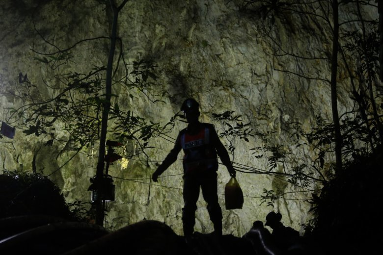 Thai rescuers locate missing boys and coach alive in cave
