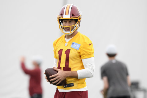 Column: Redskins' Alex Smith must boldly go where Captain Kirk couldn't