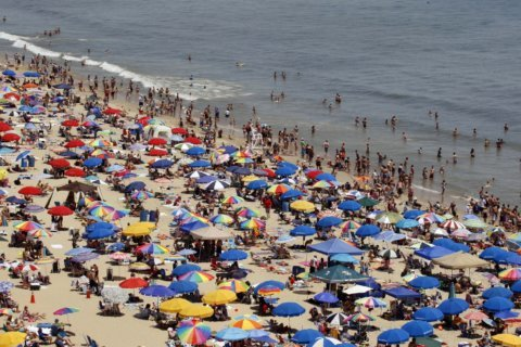 Va. lawmakers call for beach umbrella safety regulations following deaths and injuries