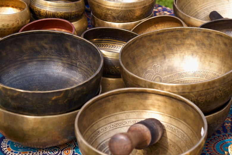 Sound baths wash away stress, swell in popularity | WTOP