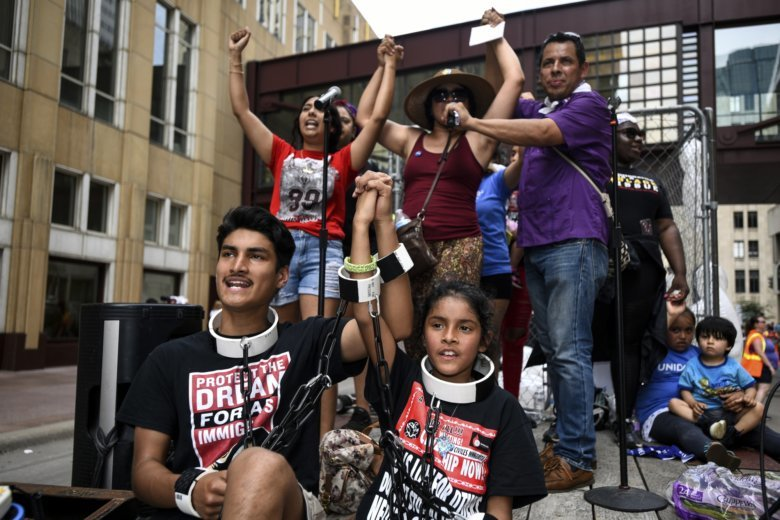 Thousands march vs U.S. immigration policy