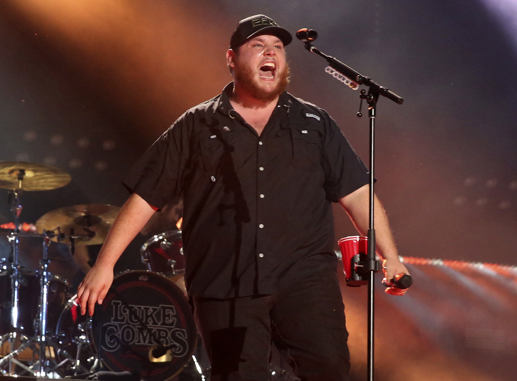 Country singer Luke Combs' unassuming appeal makes him a ...