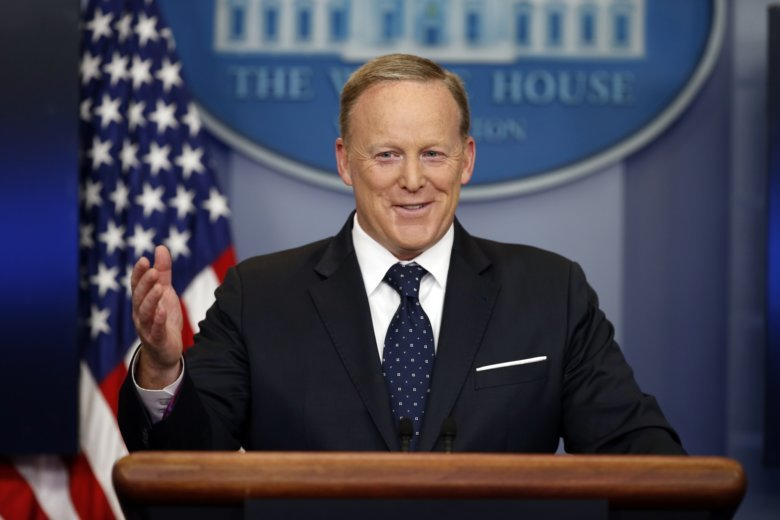 Sean Spicer heckled during book signing, accused of using racial slur
