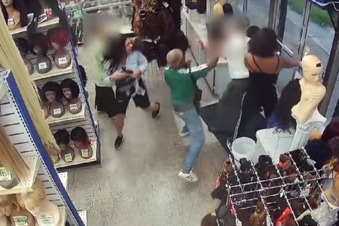 Video captures wig store robbers assaulting employees