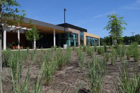 Loudoun Co. schools change quarantining policy