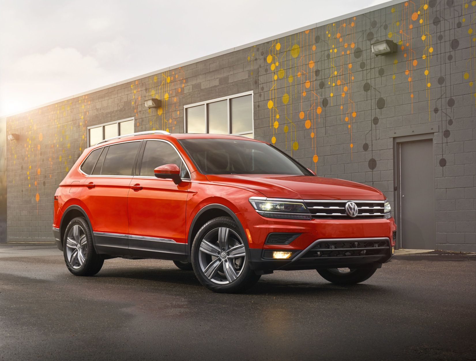Best New SUV/Crossover for Teens $35,000 to $40,000:  The 2018 Volkswagen Tiguan  (Courtesy Volkswagen of America)