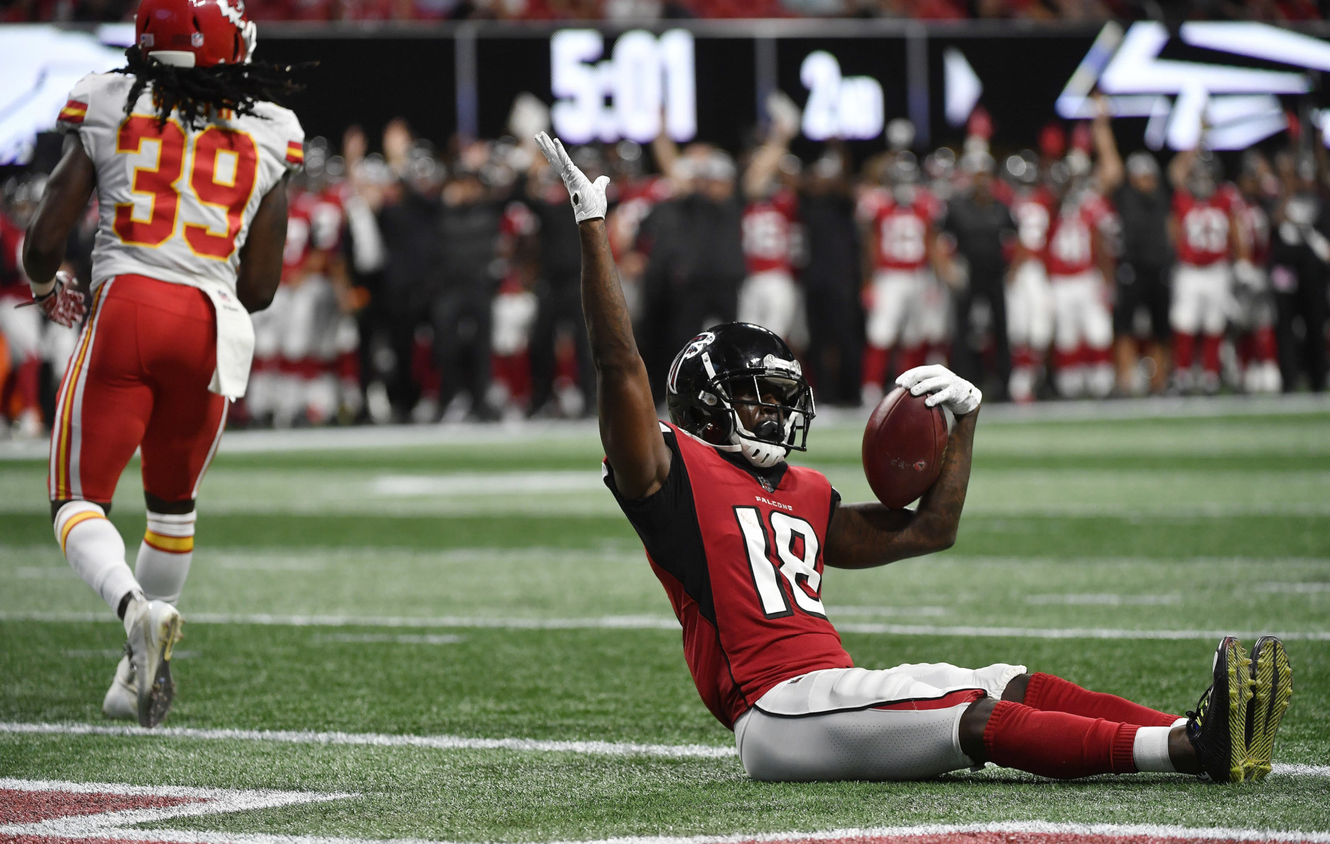 Atlanta Falcons wide receiver Calvin Ridley (18) celebrates his touchdown catch against the Kansas City Chiefs during the first half of an NFL preseason football game, Friday, Aug. 17, 2018, in Atlanta. (AP Photo/John Amis)
