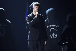James Blake performs at the MTV Video Music Awards at Radio City Music Hall on Monday, Aug. 20, 2018, in New York. (Photo by Chris Pizzello/Invision/AP)