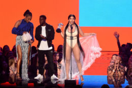 NEW YORK, NY - AUGUST 20:  Tiffany Haddish and Kevin Hart present Nicki Minaj with the award for Best Hip Hop Video onstage during the 2018 MTV Video Music Awards at Radio City Music Hall on August 20, 2018 in New York City.  (Photo by Michael Loccisano/Getty Images for MTV)