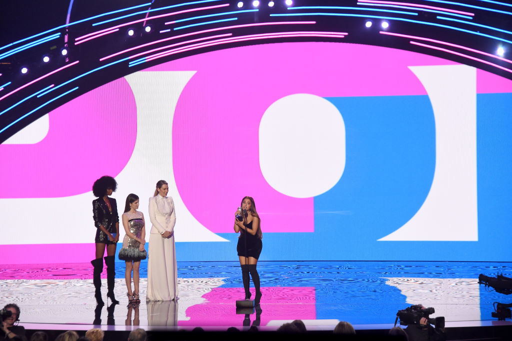 NEW YORK, NY - AUGUST 20:  Ariana Grande accepts the award for Best Hip Hop Video onstage during the 2018 MTV Video Music Awards at Radio City Music Hall on August 20, 2018 in New York City.  (Photo by Michael Loccisano/Getty Images for MTV)