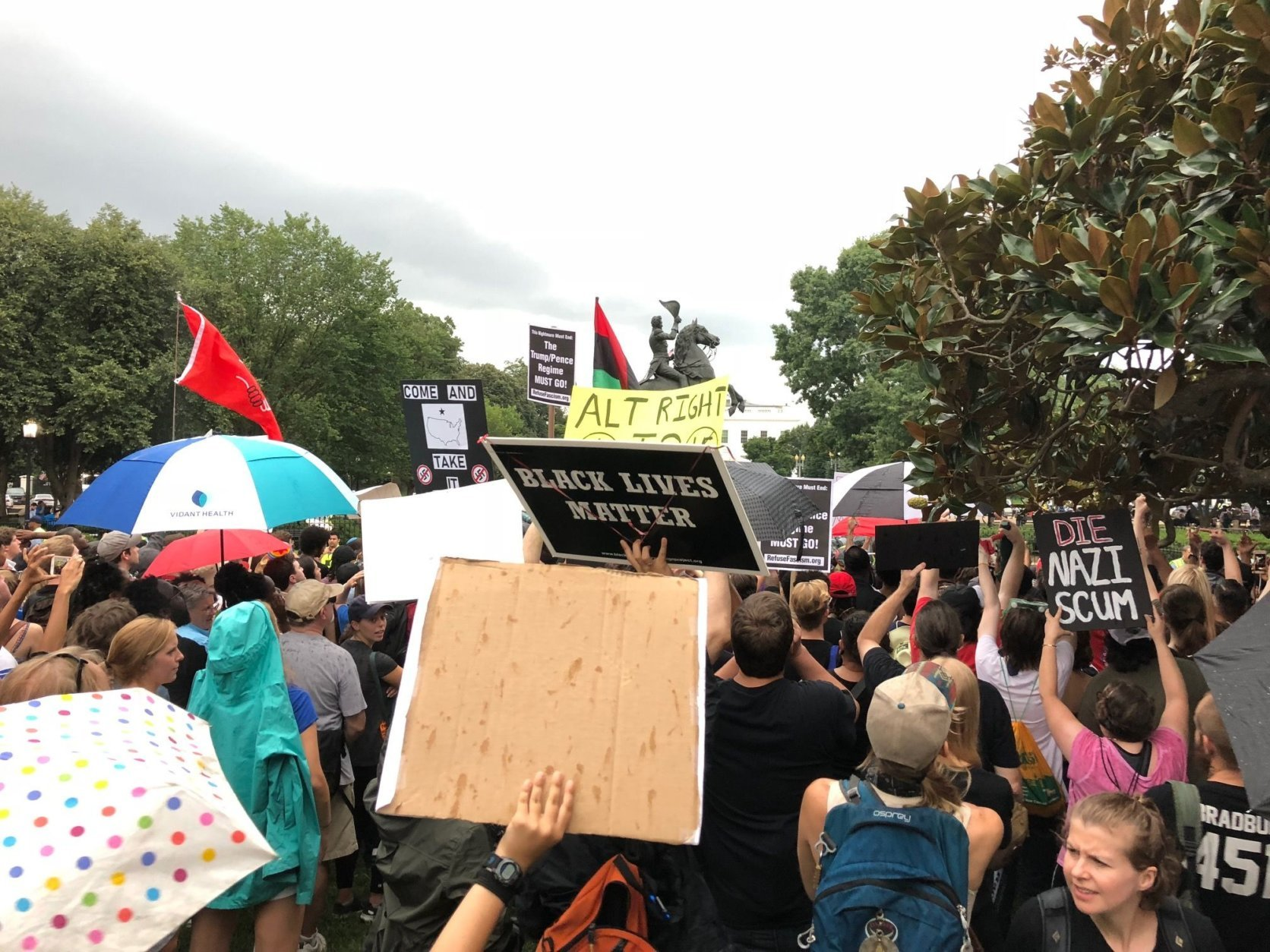 Protesters gather in front at the White House after a white nationalist rally in D.C. on Sunday, Aug. 13, 2018. (WTOP/Keara Dowd)