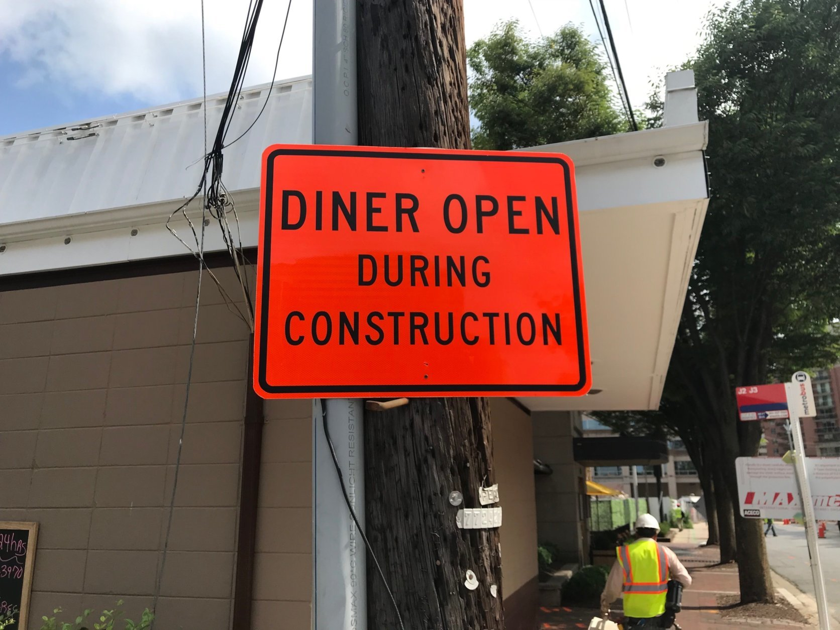 The loss of parking has chased away customers at the diner, which doesn't have a parking lot. (WTOP/Dick Uliano)