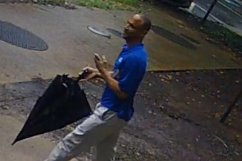 Arlington police release video of man suspected of raping woman after answering online ad