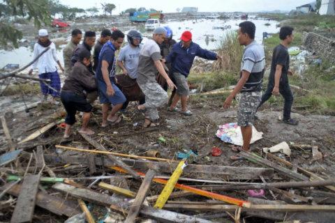 Indonesia tsunami and earthquake kill 384, leave hundreds injured