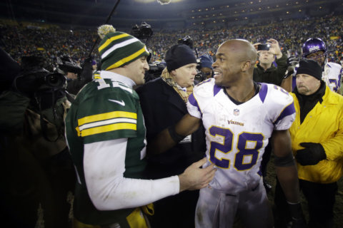 Rodgers, Peterson meet again when Packers visit Redskins