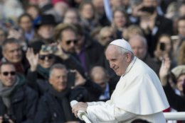 Pope Francis arrives to celebrate a Mass in Freedom Square, in Tallinn, Estonia, Tuesday, Sept. 25, 2018. Pope Francis concludes his four-day tour of the Baltics visiting Estonia. (AP Photo/Mindaugas Kulbis)