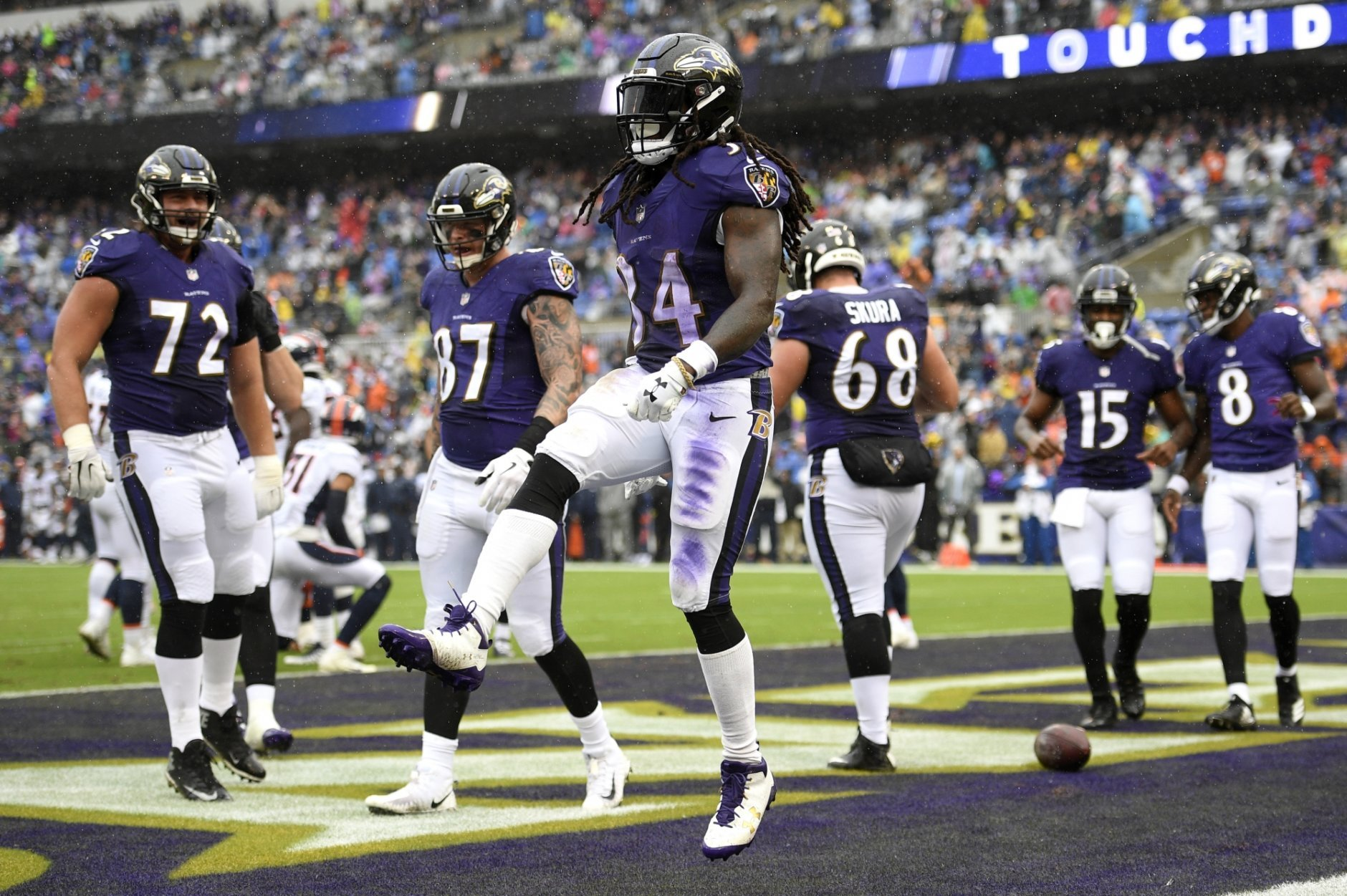 bf936fa2 Flacco shines as Ravens deal Broncos first loss, 27-14 | WTOP