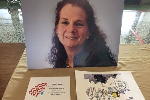 Red Cross blood drive in Annapolis honors slain Capital Gazette reporter