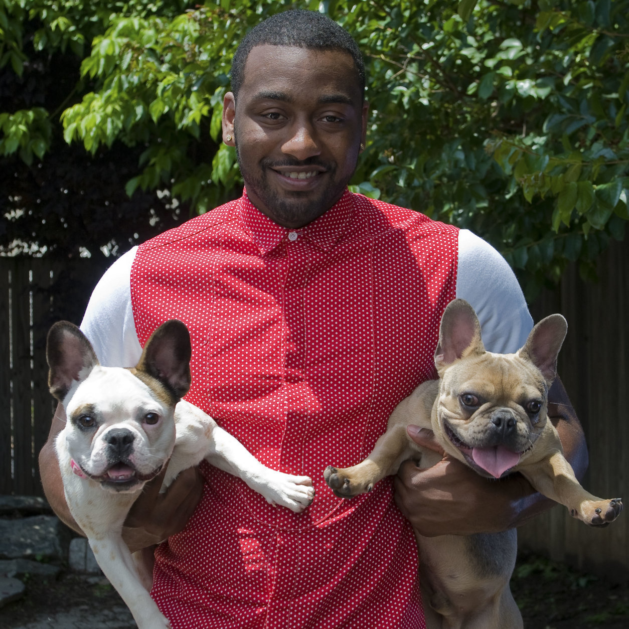 Here's the Wizards' John Wall with some furry friends. (Courtesy Humane Rescue Alliance)