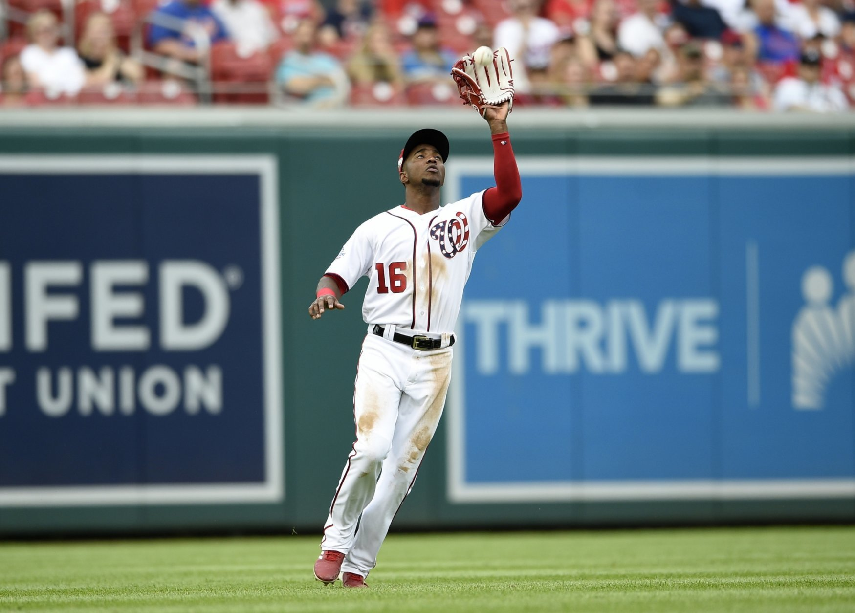 Washington Nationals left fielder Victor Robles makes a catch on a fly ball by New York Mets' Jay Bruce for the out during the fourth inning of a baseball game, Saturday, Sept. 22, 2018, in Washington. (AP Photo/Nick Wass)