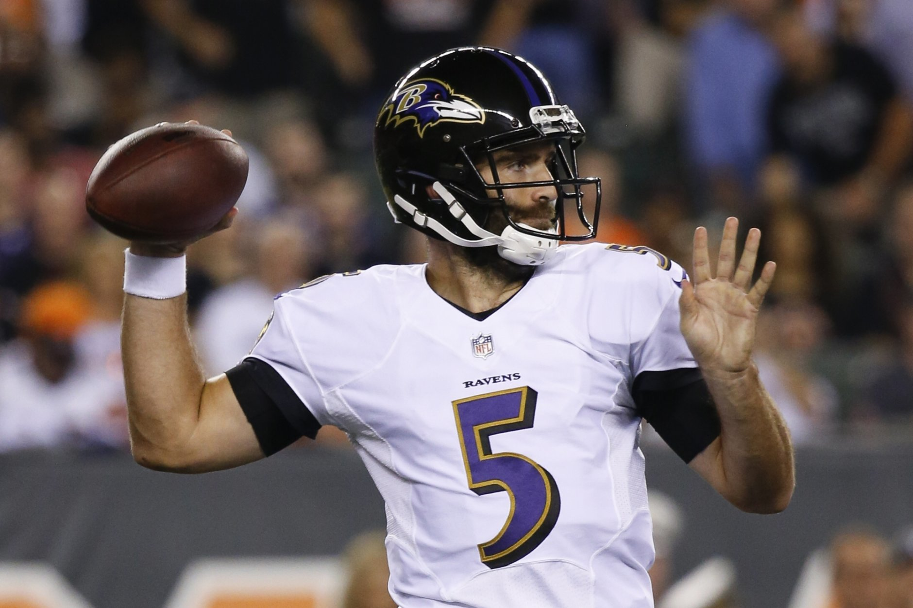 Baltimore Ravens quarterback Joe Flacco throws in the first half of an NFL football game, Thursday, Sept. 13, 2018, in Cincinnati. (AP Photo/Frank Victores)
