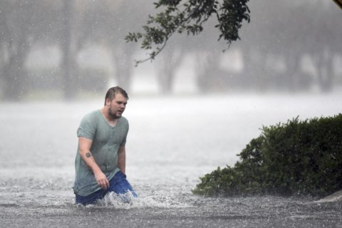 North, South Carolina cope with wet misery left by Florence