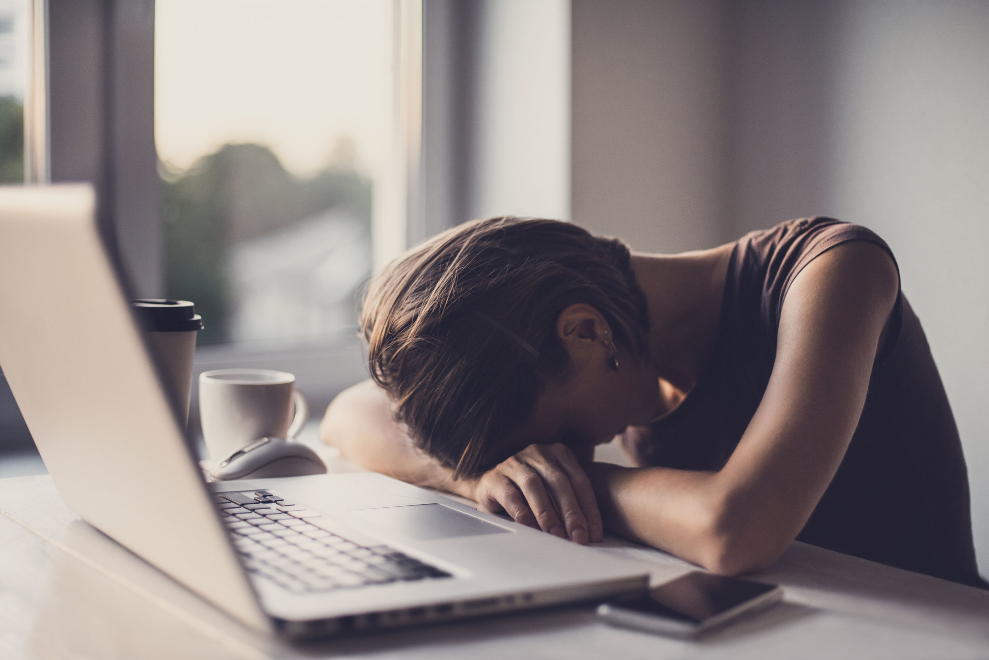 Constantly tired at work? Stop bringing your phone to bed