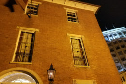 Stephen Decatur allegedly waits in the windows of the Decatur House. (WTOP/Will Vitka)
