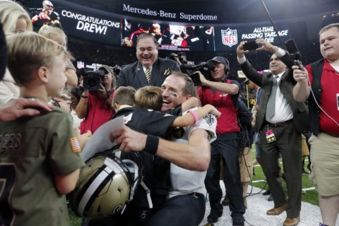 Record-setting night for Brees; embarrassing loss for Redskins 43-19