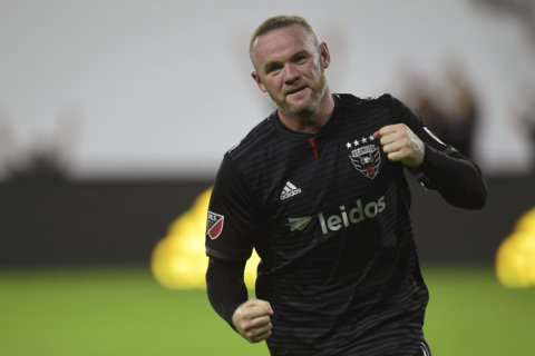 Rooney's late PK lifts DC United to 1-1 draw with Toronto FC