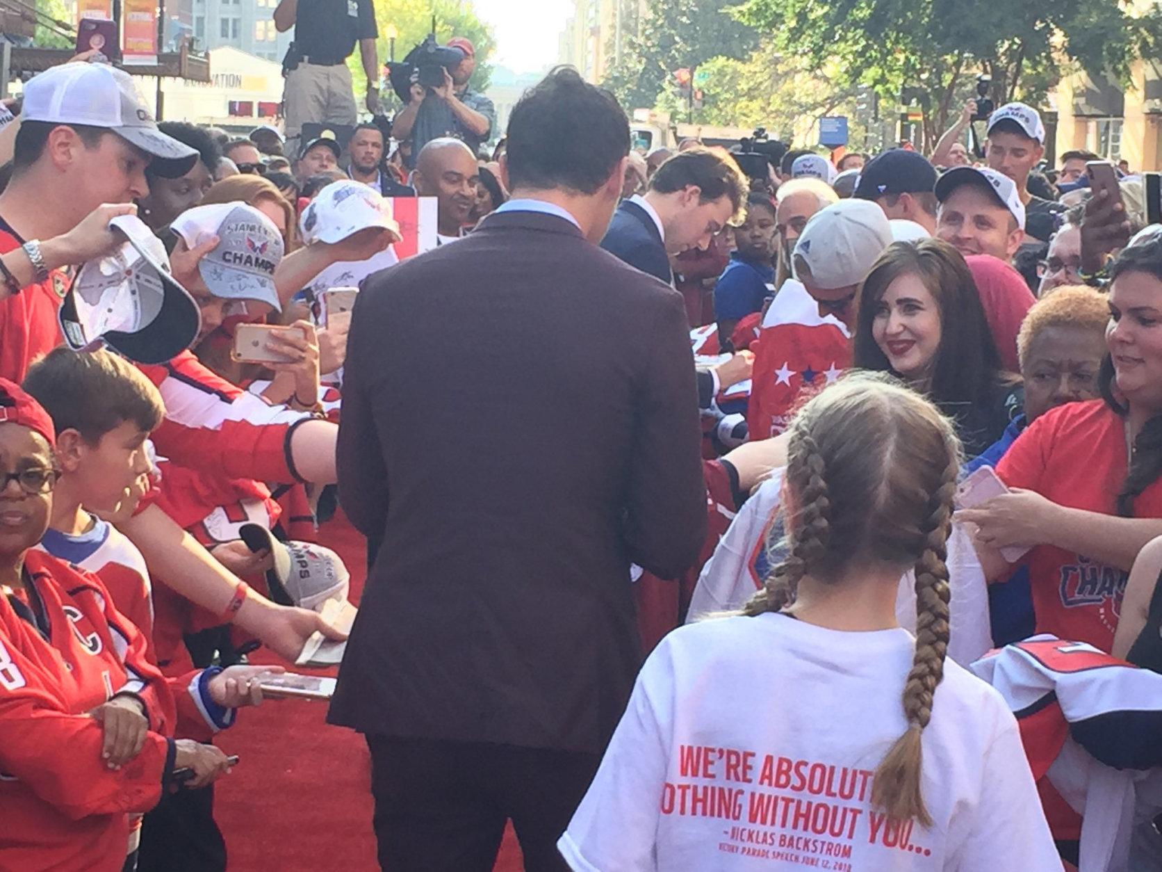 The Capitals' Andre Burakovsky arrives at the 2018-2019 season opener. (WTOP/Jonathan Warner)