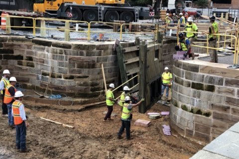 PHOTOS: Wooden lock gates go up in C&O Canal restoration project