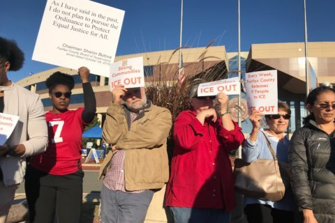 Immigration advocates ask Fairfax Co. to limit information shared with ICE