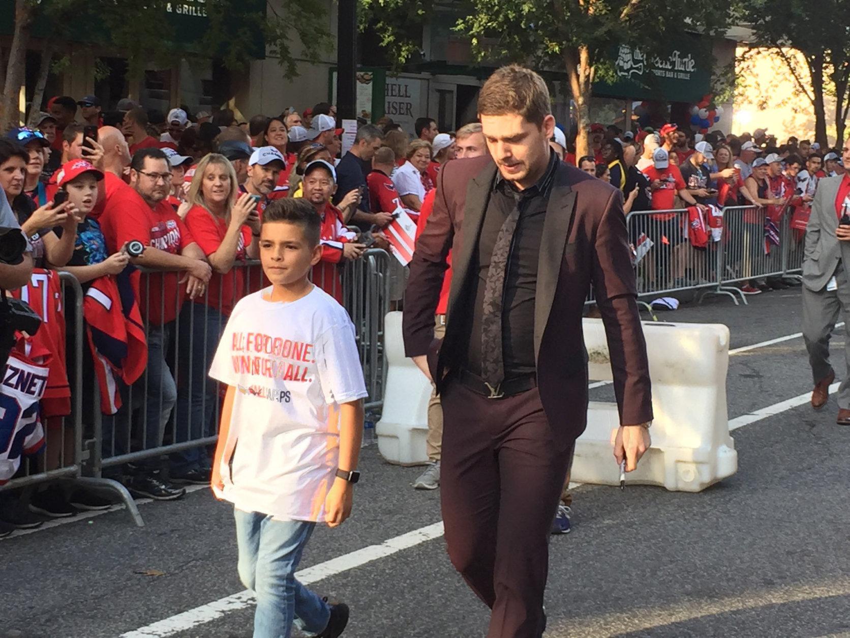 The Capitals' Evgeny Kuznetsov arrives at the 2018-2019 season opener. (WTOP/Jonathan Warner)