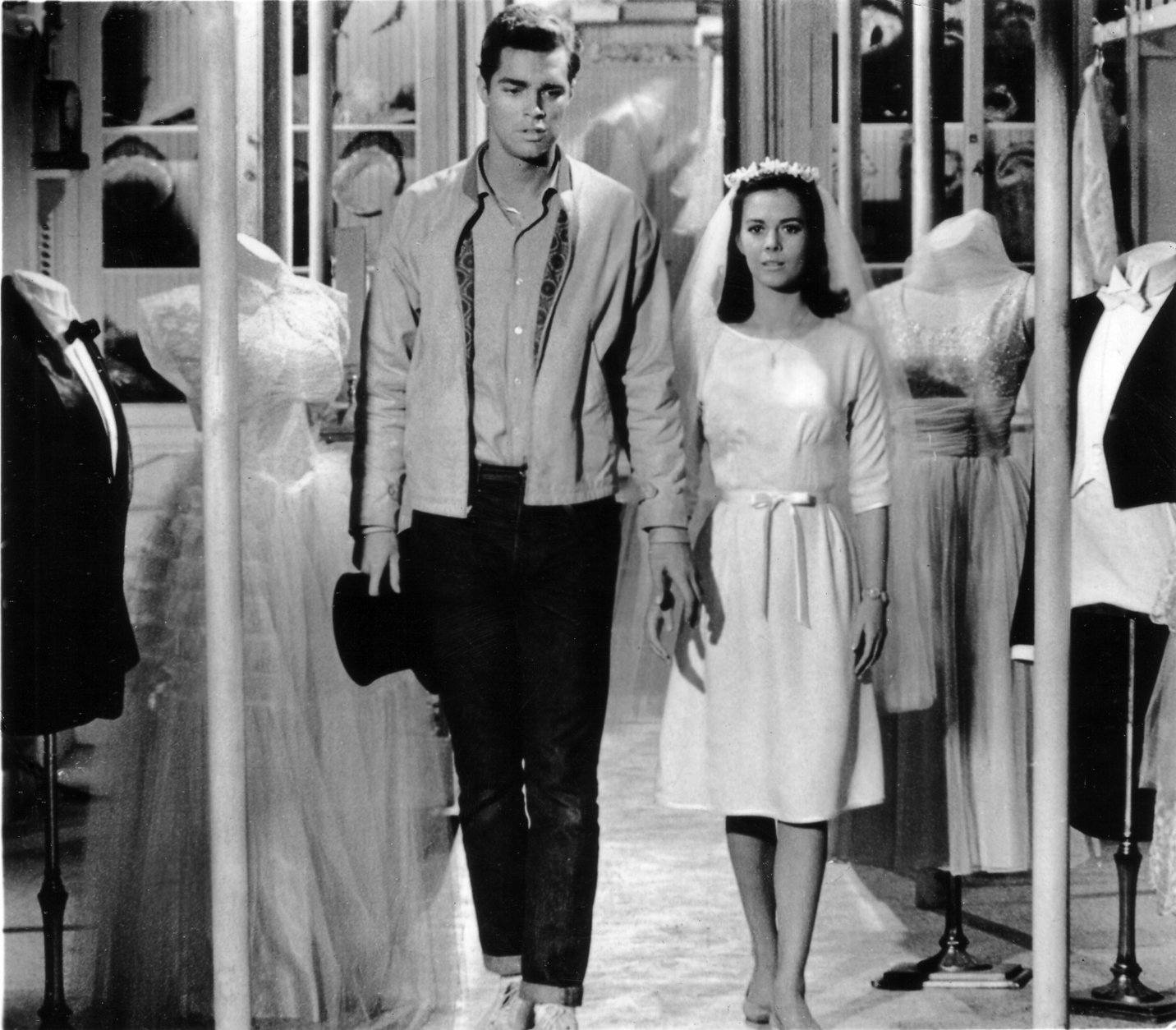 """Richard Beymer and Natalie Wood as the star-crossed lovers in the film """"West Side Story"""", Oct. 1961.  (AP Photo)"""