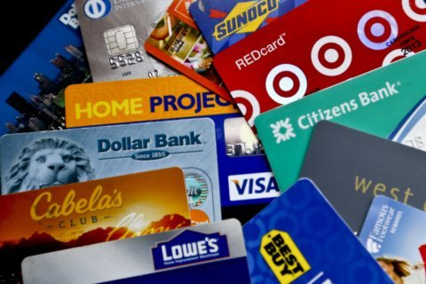 Survey: Almost 30 pct. of Americans carry more credit debt than savings