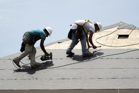 'Inevitably going to have changes' — Tips, warnings for hiring a home contractor