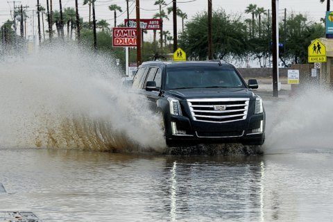 Rosa threatens 9 million people with flooding, even in the desert Southwest