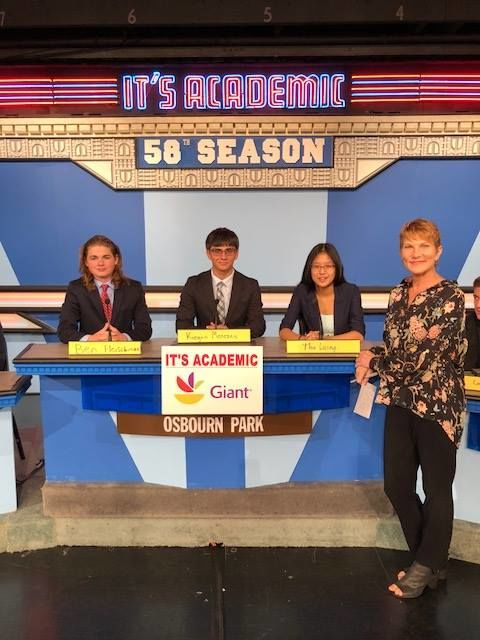 """On """"It's Academic,"""" Osbourn Park competes against George Mason and and Wootton high schools. The show aired Oct. 27, 2018. (Courtesy Facebook/It's Academic)"""