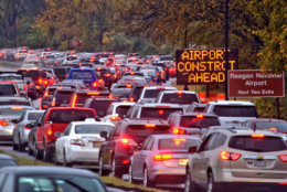 Rain, closure of metro station and holiday weekend departures led to long backups on the southbound GW Parkway and Route 1 toward Reagan National Airports. (WTOP/Dave Dildine)